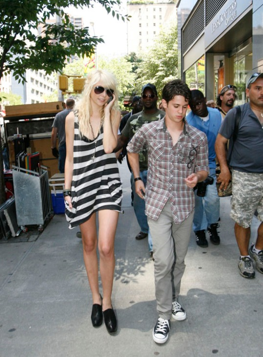 Taylor Momsen, Connor Paolo